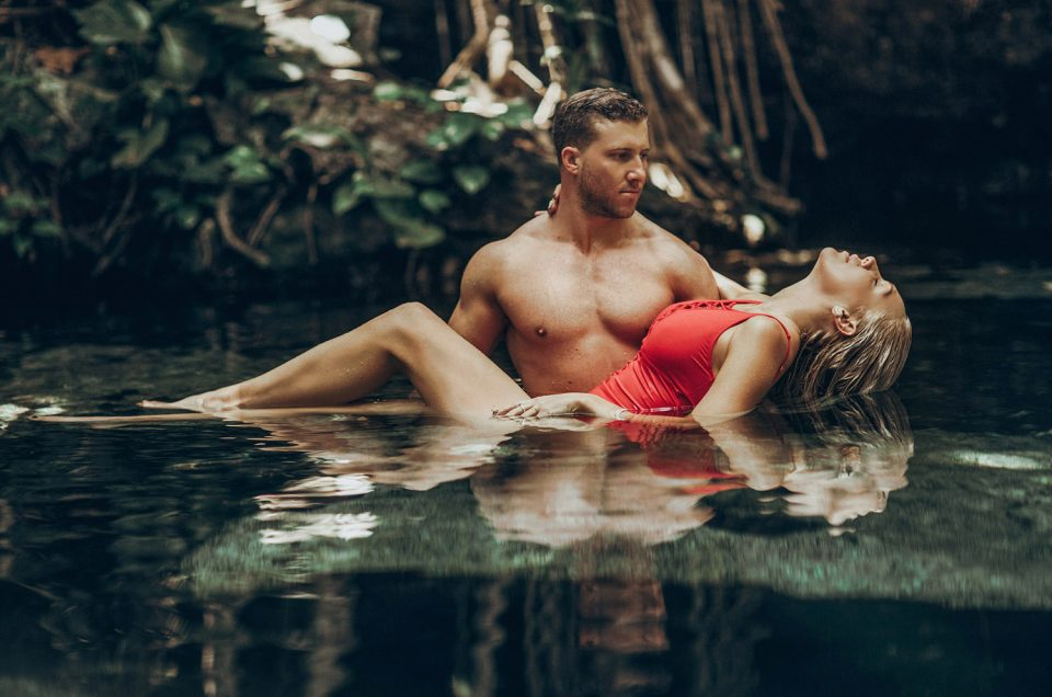 LoveStory Session in Cenote