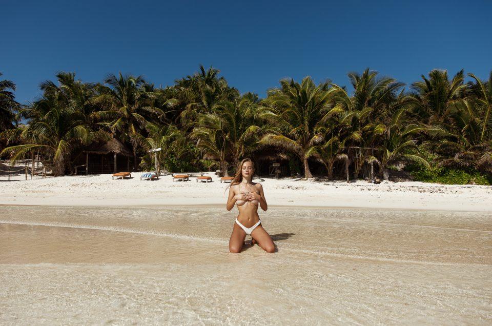 Beach bikini session in Tulum